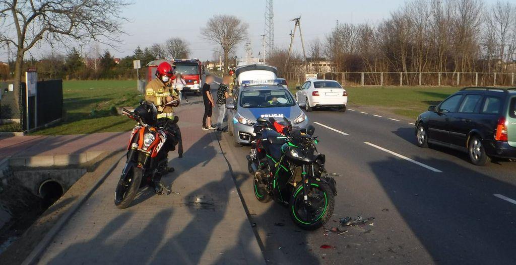 [ZDJĘCIA] Wypadek z udziałem trzech motocyklistów. Jeden z nich trafił do szpitala - Zdjęcie główne