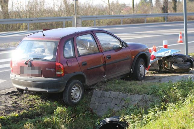 [AKTUALIZACJA]  [WIDEO, FOTO] Wypadek na Objazdowej. Kierowca skutera w szpitalu - Zdjęcie główne