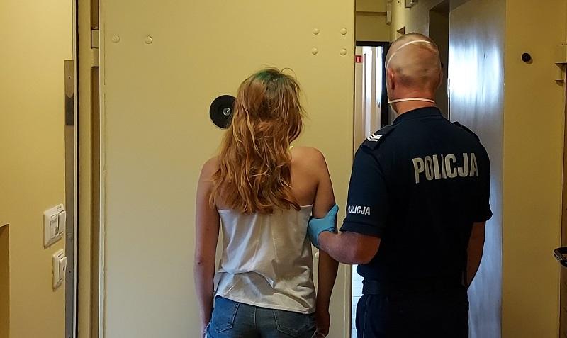 Wpadła podczas kontroli prędkości. Kutnowscy policjanci znaleźli przy niej ponad 12 gramów narkotyków - Zdjęcie główne