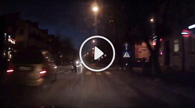 [WIDEO] Niebezpiecznie na przejściach. Dwoje zabitych i kilkunastu rannych - Zdjęcie główne