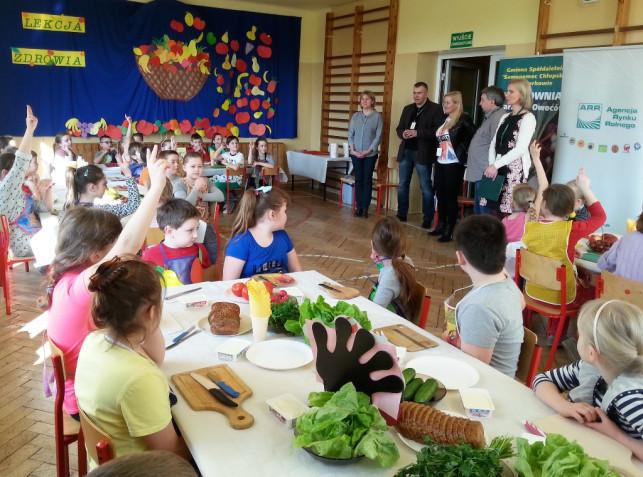 Promowali zdrowy tryb życia w Nowem - Zdjęcie główne