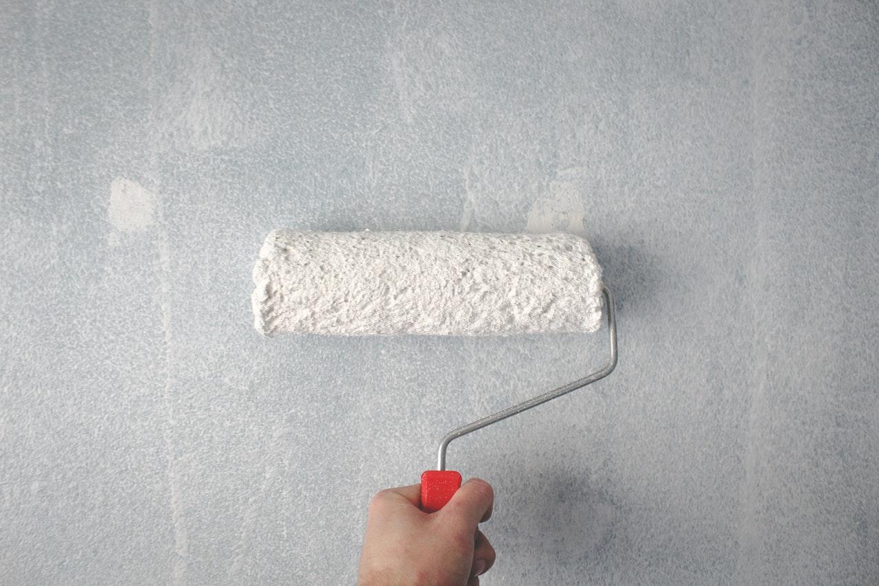 Farba betonowa – wszystko, co musisz o niej wiedzieć - Zdjęcie główne