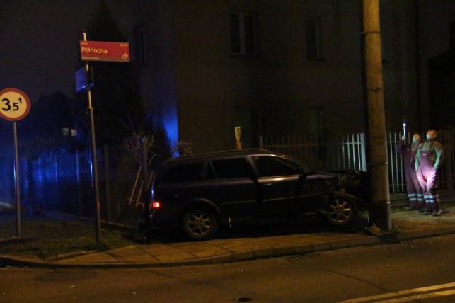 [AKTUALIZACJA] Pijany kierowca winny ciemnościom na Północnej? - Zdjęcie główne