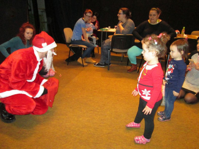 Mikołaj pojawił się w Klubie Krasnala - Zdjęcie główne