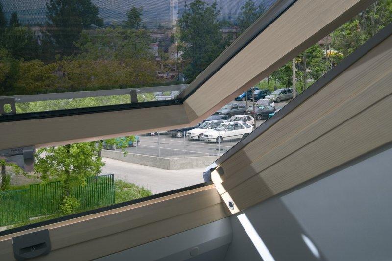 Wybieramy rolety na okno dachowe – na co zwrócić uwagę? - Zdjęcie główne