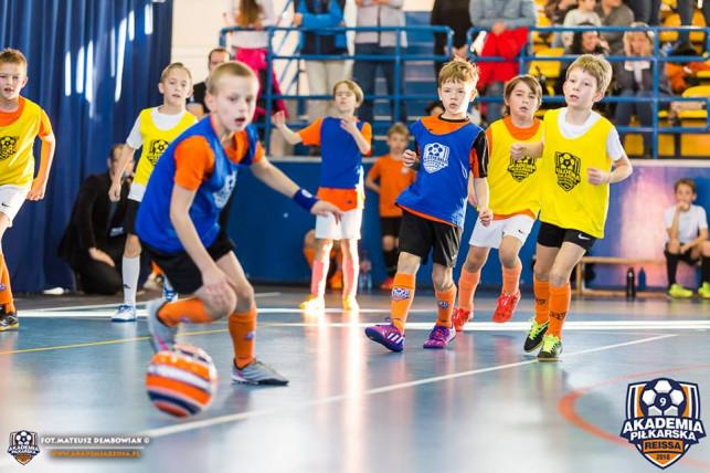 3. miejsce młodych piłkarzy z Kutna na turnieju w Koninie - Zdjęcie główne