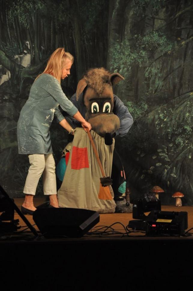 Wilk i Zając odwiedzili dzieci w ŻDK - Zdjęcie główne