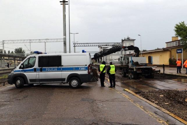 Śmiertelny wypadek na stacji PKP w Kutnie: winny pracodawca? Sprawa pod lupą prokuratury - Zdjęcie główne