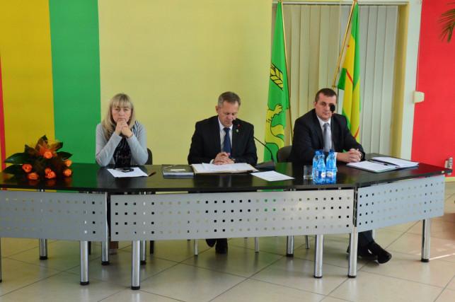 Sesja w powiecie: Pietrusiak i Ledzion na nowych stanowiskach - Zdjęcie główne