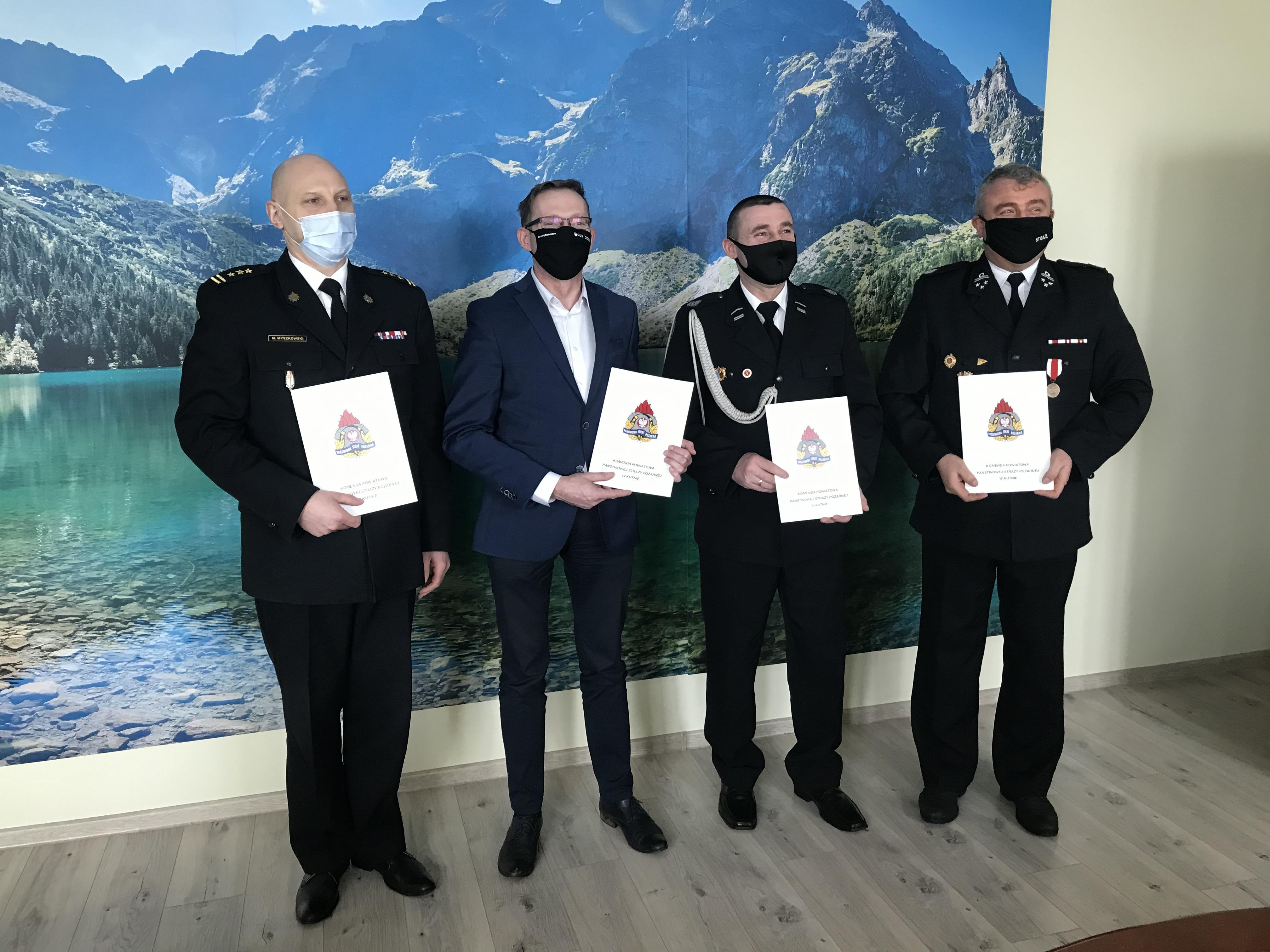 [FOTO] Wielki dzień OSP z powiatu kutnowskiego! Podpisano ważne porozumienie - Zdjęcie główne