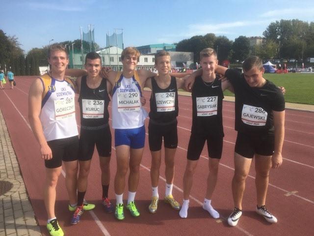 [ZDJĘCIA] Kolejne rekordy życiowe sportowców z UKS ''Dziewiątka''! - Zdjęcie główne