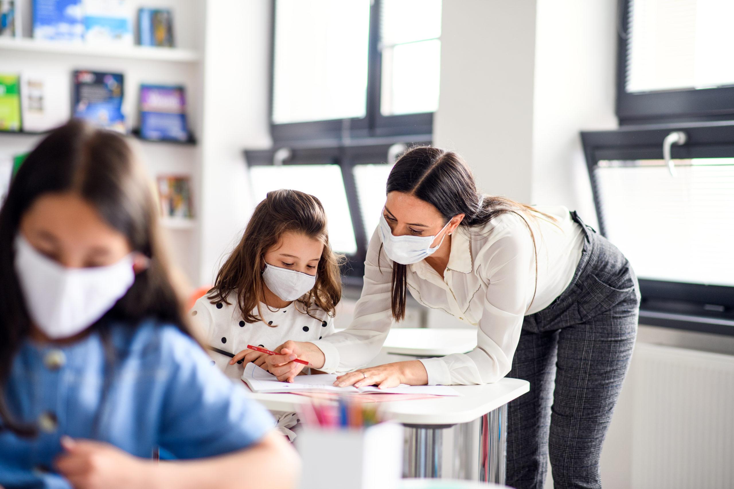 Jak będą funkcjonować szkoły w najbliższym roku szkolnym? MEiN wydało rekomendacje  - Zdjęcie główne