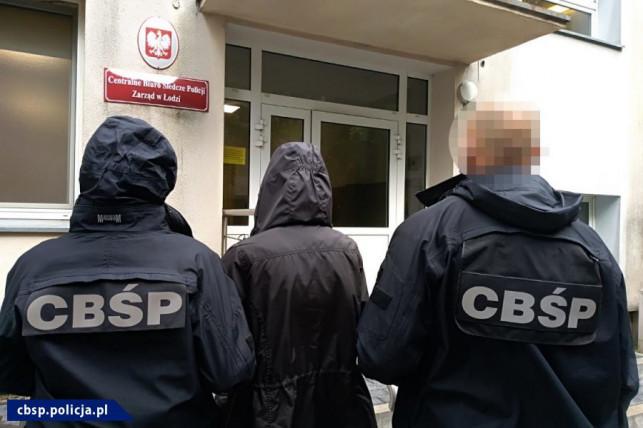 Policjantowi z Kutna grozi 10 lat więzienia. Jakie usłyszał zarzuty? - Zdjęcie główne