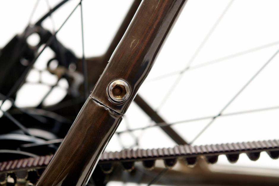 Rower z paskiem zamiast łańcucha: działanie, zalety, wady, cena - Zdjęcie główne