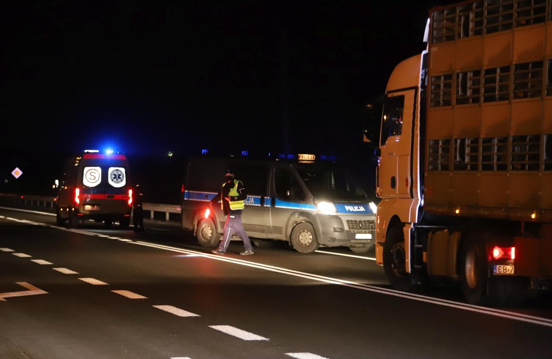[ZDJĘCIA] Śmierć pod Kutnem. Pieszy potrącony przez ciężarówkę - Zdjęcie główne