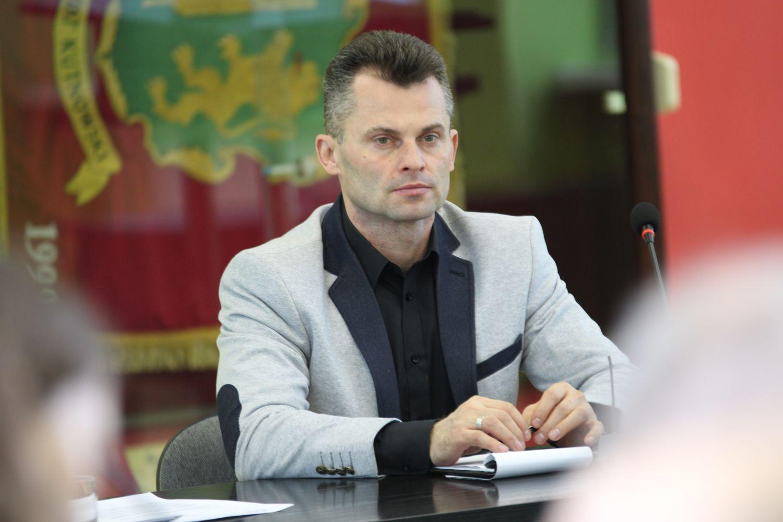 """Radny Marciniak odpowiada na wykluczenie go z klubu: """"Nie można mną sterować"""" - Zdjęcie główne"""