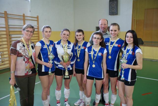 Zespół Szkół w Żychlinie zwycięzcą Turnieju o Puchar Rektora WSGK - Zdjęcie główne