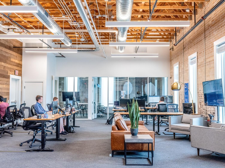 Aranżacja wnętrza firmy - 5 najważniejszych elementów - Zdjęcie główne