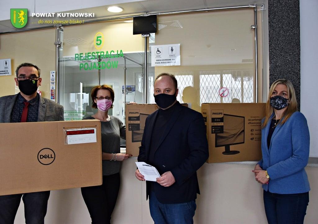 Wytwórnia Papierów Wartościowych przekazała sprzęt dla powiatu kutnowskiego - Zdjęcie główne