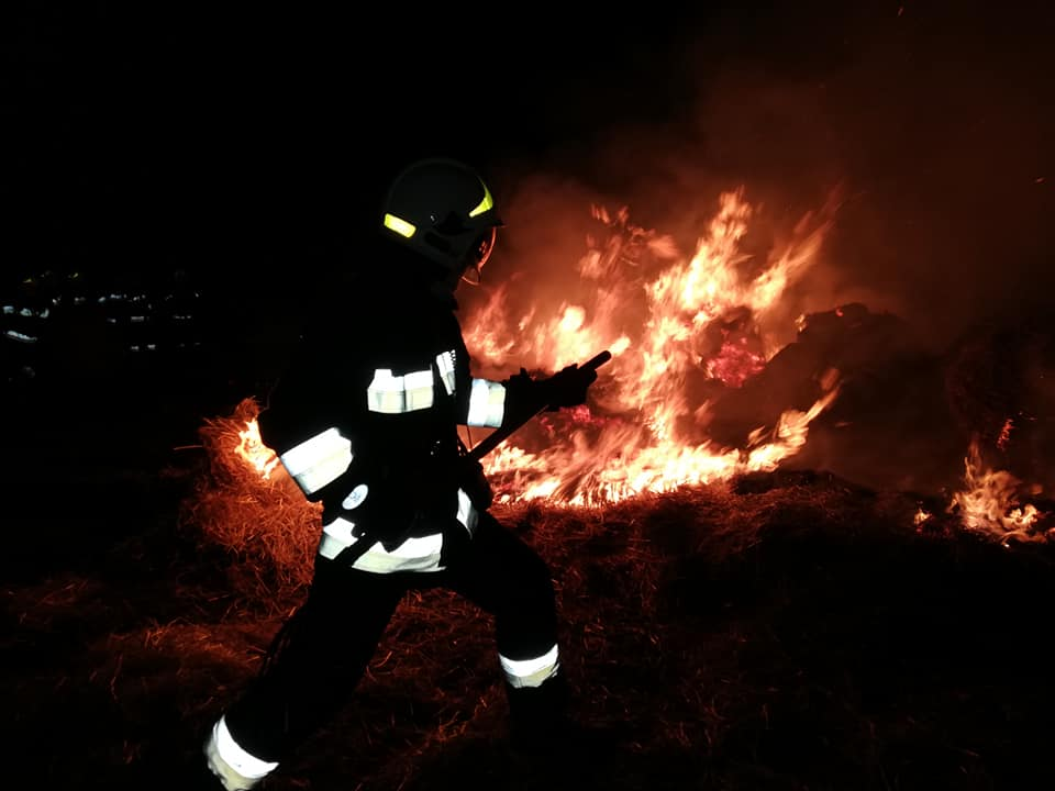 Cała noc walki z pożarem! Wszystko wskazuje na podpalenie... - Zdjęcie główne