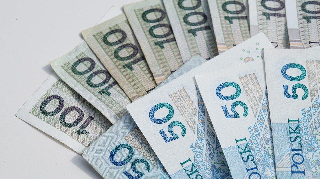 Już wkrótce zarobimy więcej? Rząd potwierdza podwyżki wynagrodzenia - Zdjęcie główne