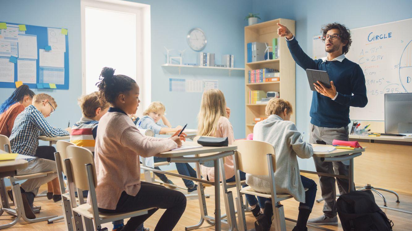 Zawód nauczyciel: 3 powody, dla których warto się szkolić - Zdjęcie główne