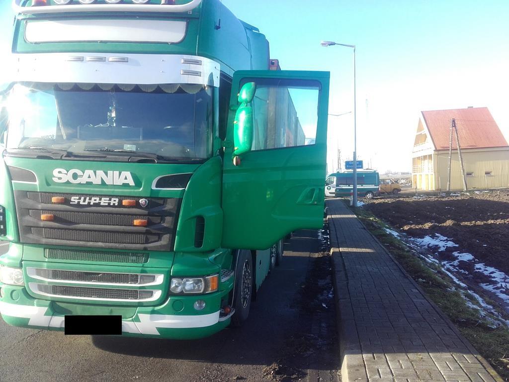 [FOTO] Pod Kutnem zatrzymano kierowcę ciężarówki. Grozi mu kilka lat więzienia: za co? - Zdjęcie główne