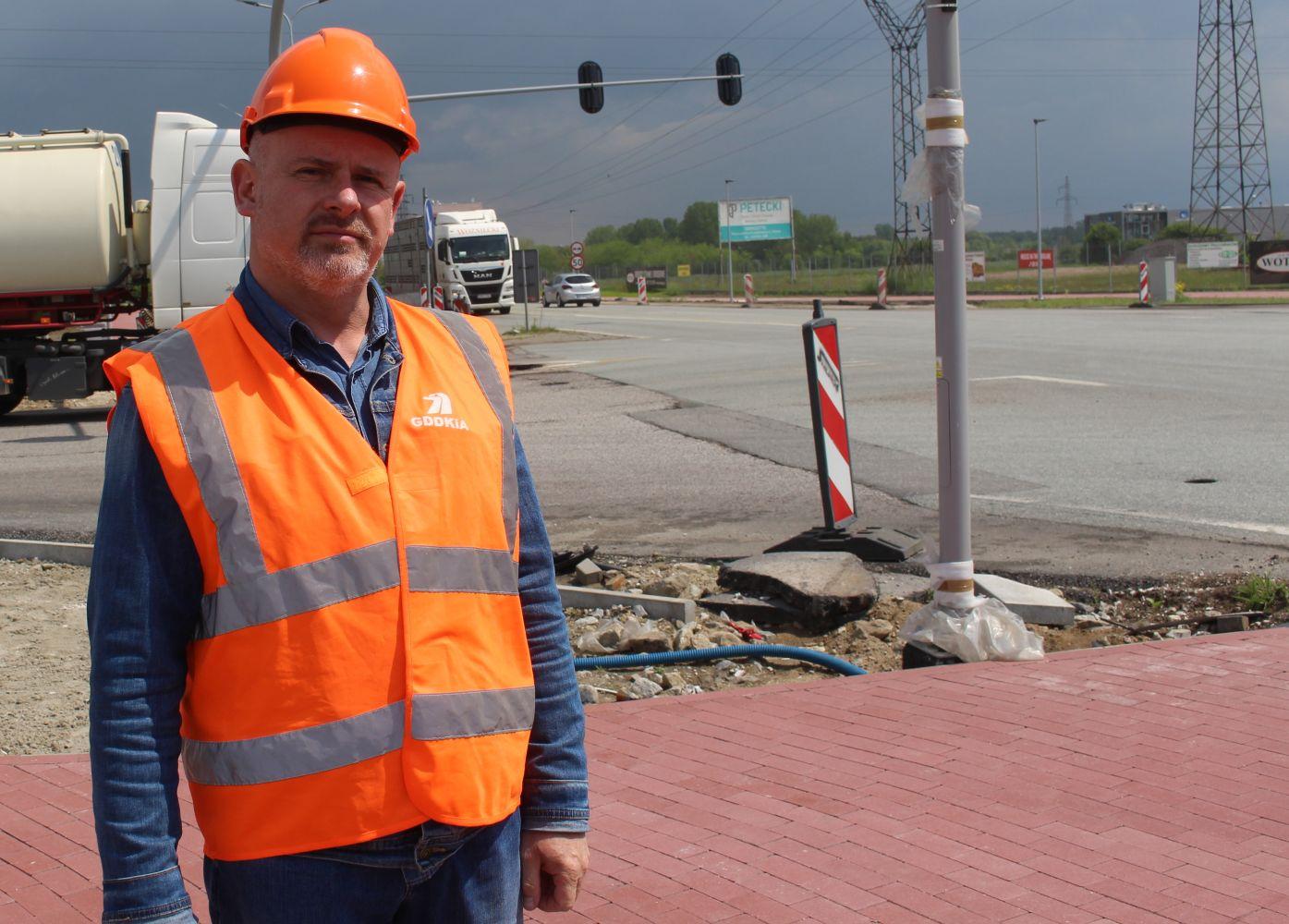 """Inwestycja warta ponad pięć milionów: """"Prace w Kutnie zakończymy przed początkiem roku szkolnego"""" [ZDJĘCIA] - Zdjęcie główne"""