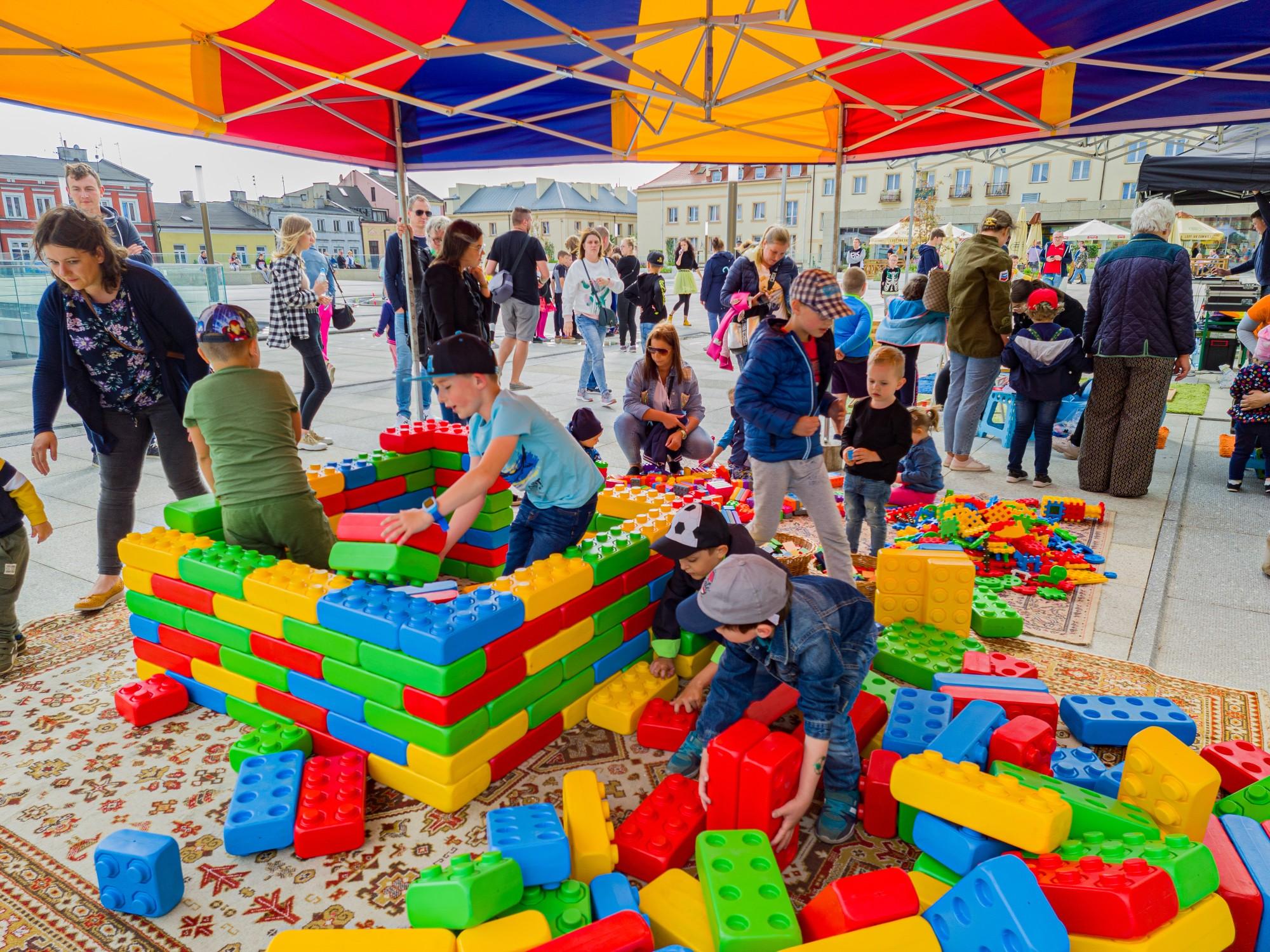 Kultura na Wolności: Zabawa dla dużych i małych na placu Wolności [ZDJĘCIA] - Zdjęcie główne