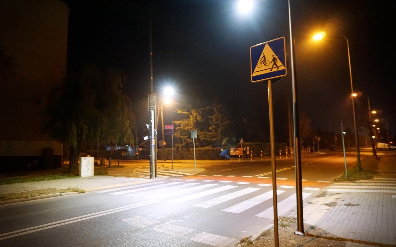 Piesi będą bezpieczniejsi. Miasto doświetliło kolejne przejścia - Zdjęcie główne