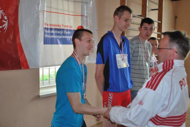 Kutnianie z medalami na mitingu kolarskim - Zdjęcie główne
