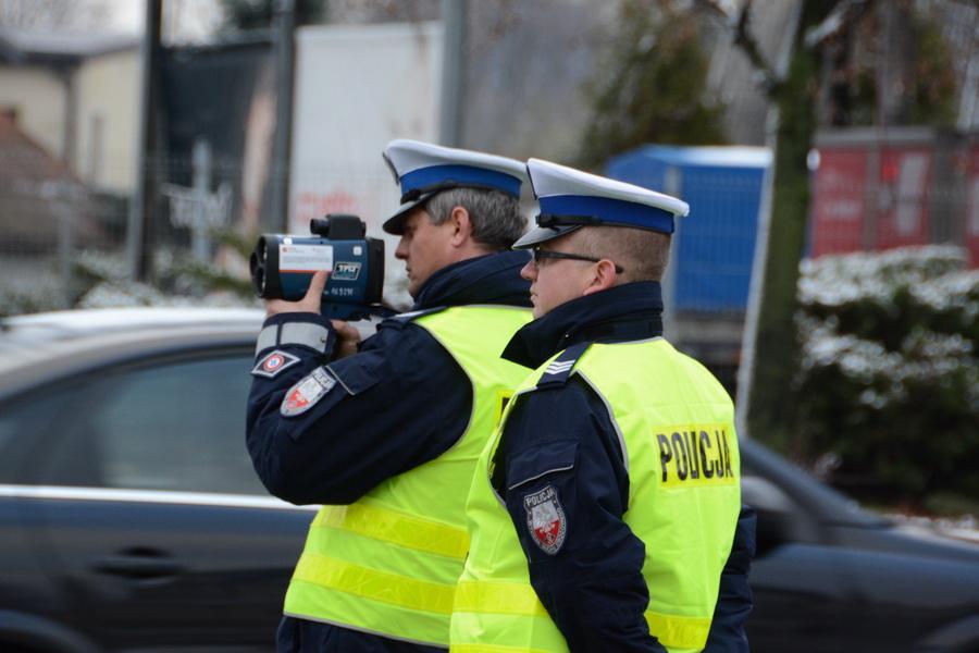 Radykalne podwyżki stawek mandatów drogowych! Nowe przepisy uderzą kierowców po kieszeni - Zdjęcie główne