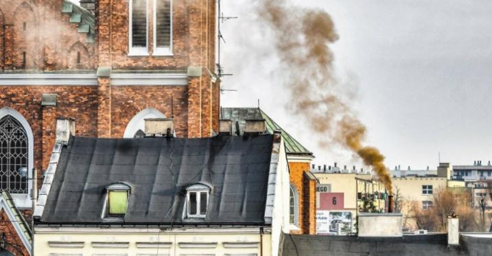 """Kutno walczy z """"kopciuchami"""". Miasto wydało na ten cel już ponad milion złotych - Zdjęcie główne"""
