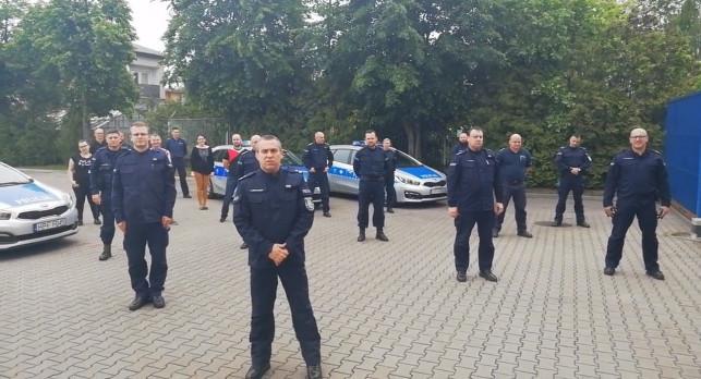 [WIDEO] Kutnowscy policjanci… robią pompki i pomagają ciężko choremu Wojtusiowi! - Zdjęcie główne