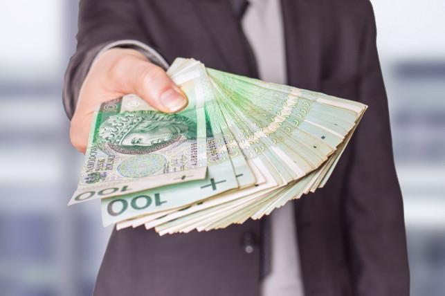 Gruba kasa dla kutnowskich przedsiębiorców. Otrzymali już kilkanaście milionów złotych! - Zdjęcie główne