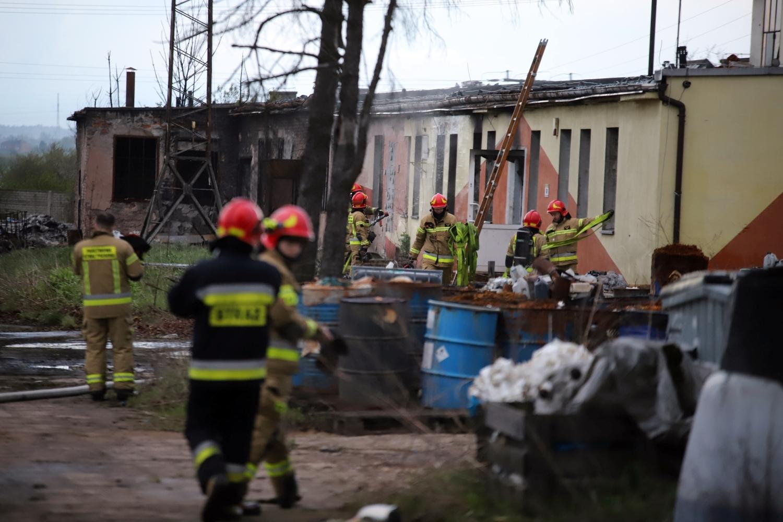 [ZDJĘCIA] Pożar na terenie składowiska w Majdanach. Trwa akcja strażaków - Zdjęcie główne