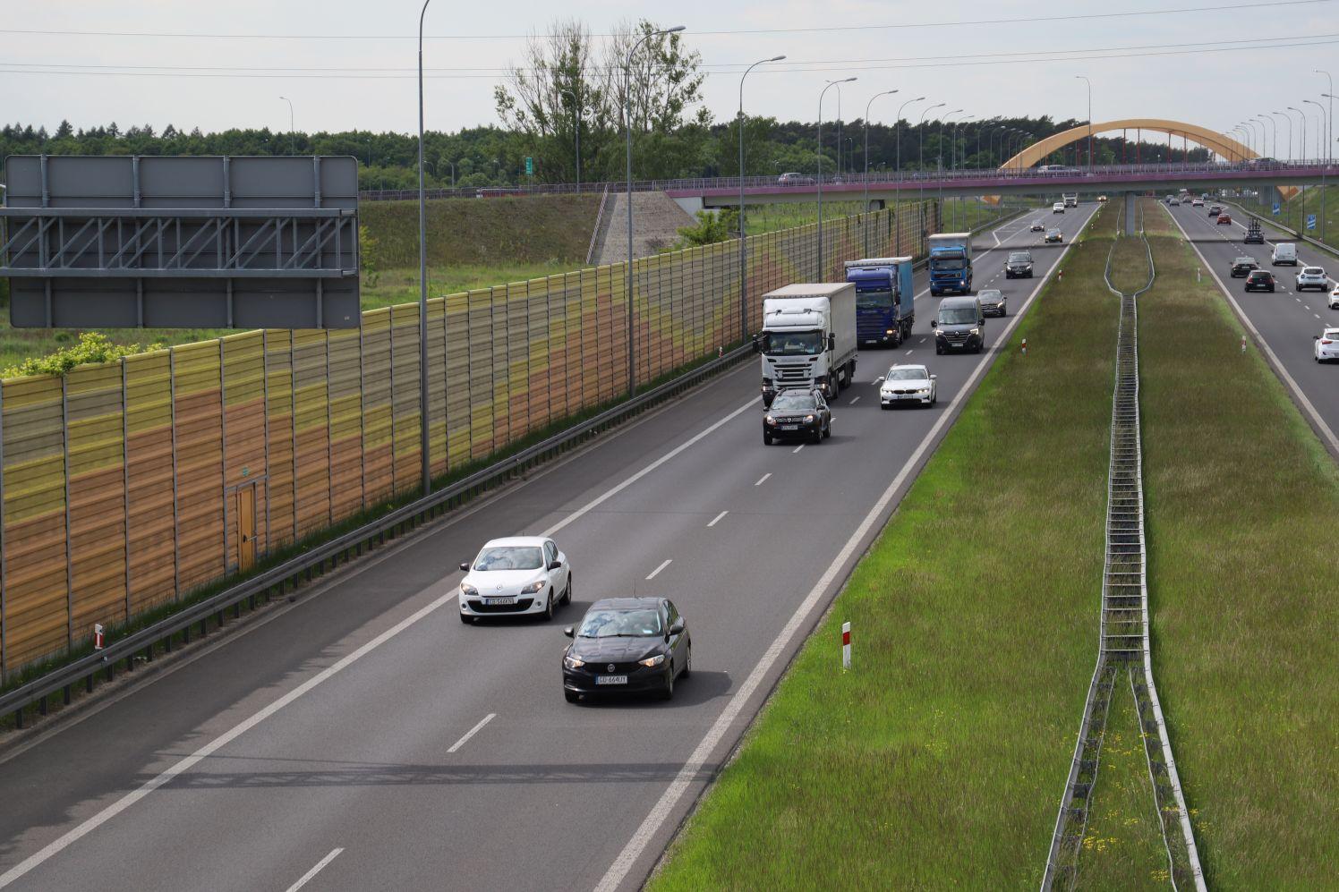Od poniedziałku usuwanie usterek na autostradzie. Drogowcy apelują o ostrożność - Zdjęcie główne
