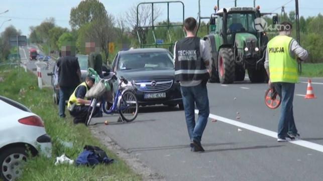 Groźnie w Adamowicach. Osobówka potrąciła rowerzystkę [aktualizacja] - Zdjęcie główne