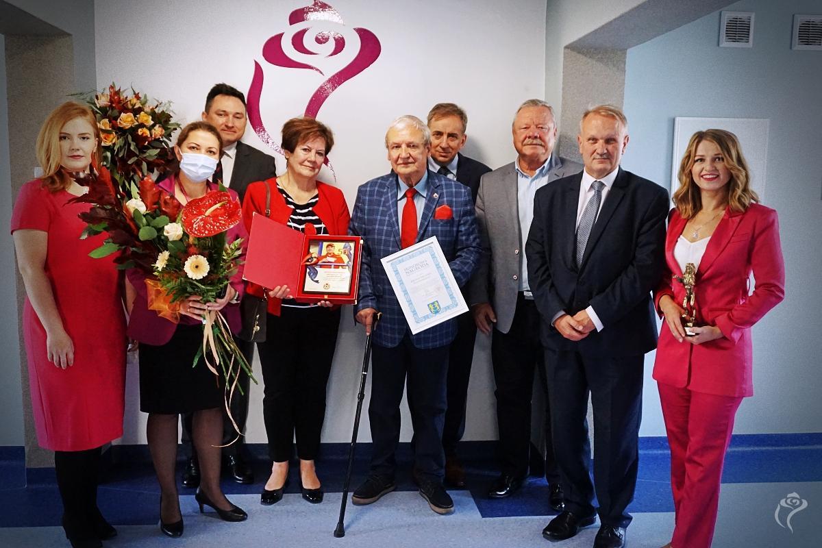 Wyjątkowa uroczystość w urzędzie miasta. Prezydent i radni nagrodzili zasłużonych dla Kutna [ZDJĘCIA] - Zdjęcie główne