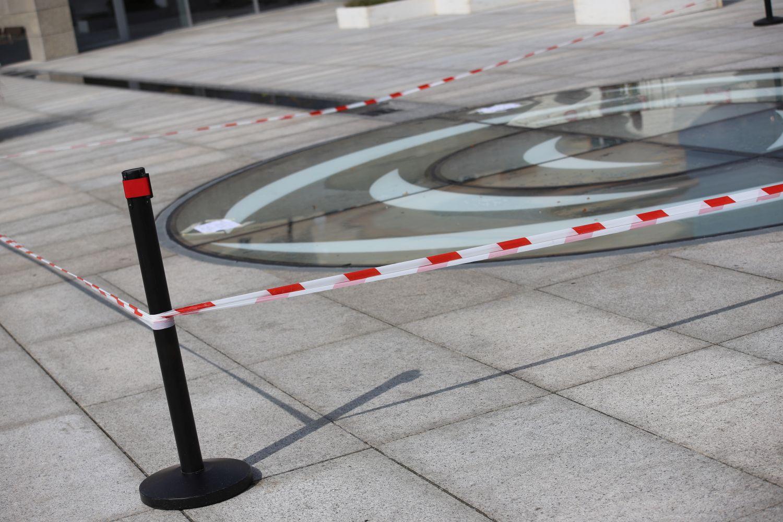 Niebezpiecznie na Placu Wolności? Urząd Miasta komentuje sprawę [ZDJĘCIA] - Zdjęcie główne