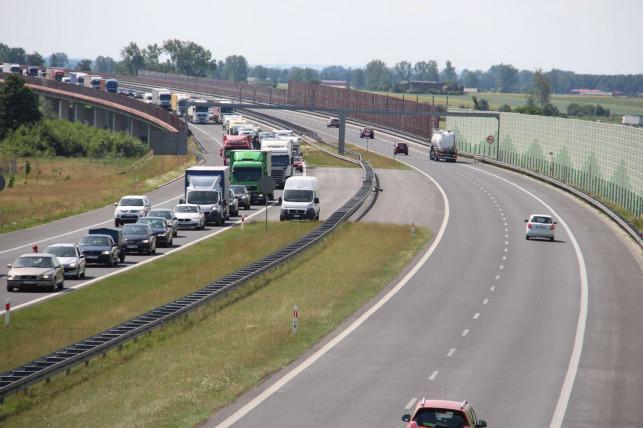 Uwaga kierowcy! Utrudnienia na autostradzie w okolicach Kutna - Zdjęcie główne