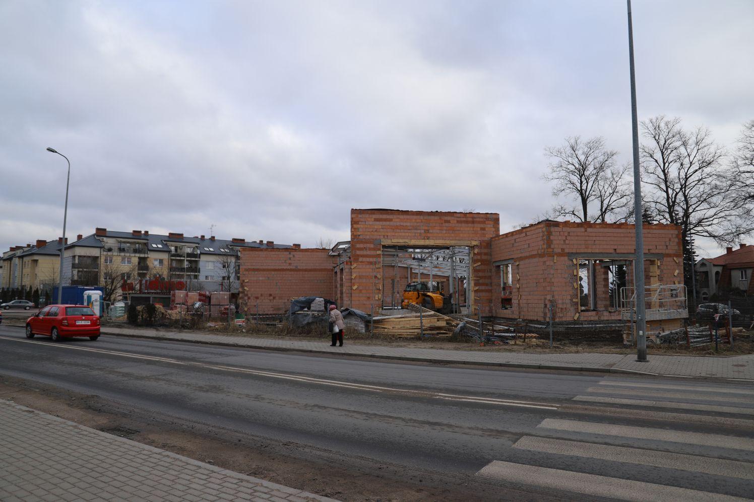 [ZDJĘCIA] Spora budowa w Kutnie. Co tutaj powstaje? - Zdjęcie główne