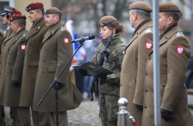 Nowi terytorialsi wstąpią do kutnowskiego batalionu. Wśród nich jest 15 kobiet - Zdjęcie główne