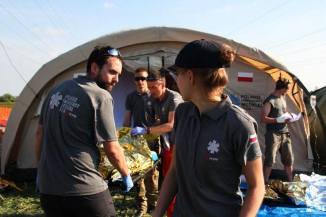 Dobre wiadomości: Przekazują szpitalom namioty do walki z koronawirusem - Zdjęcie główne