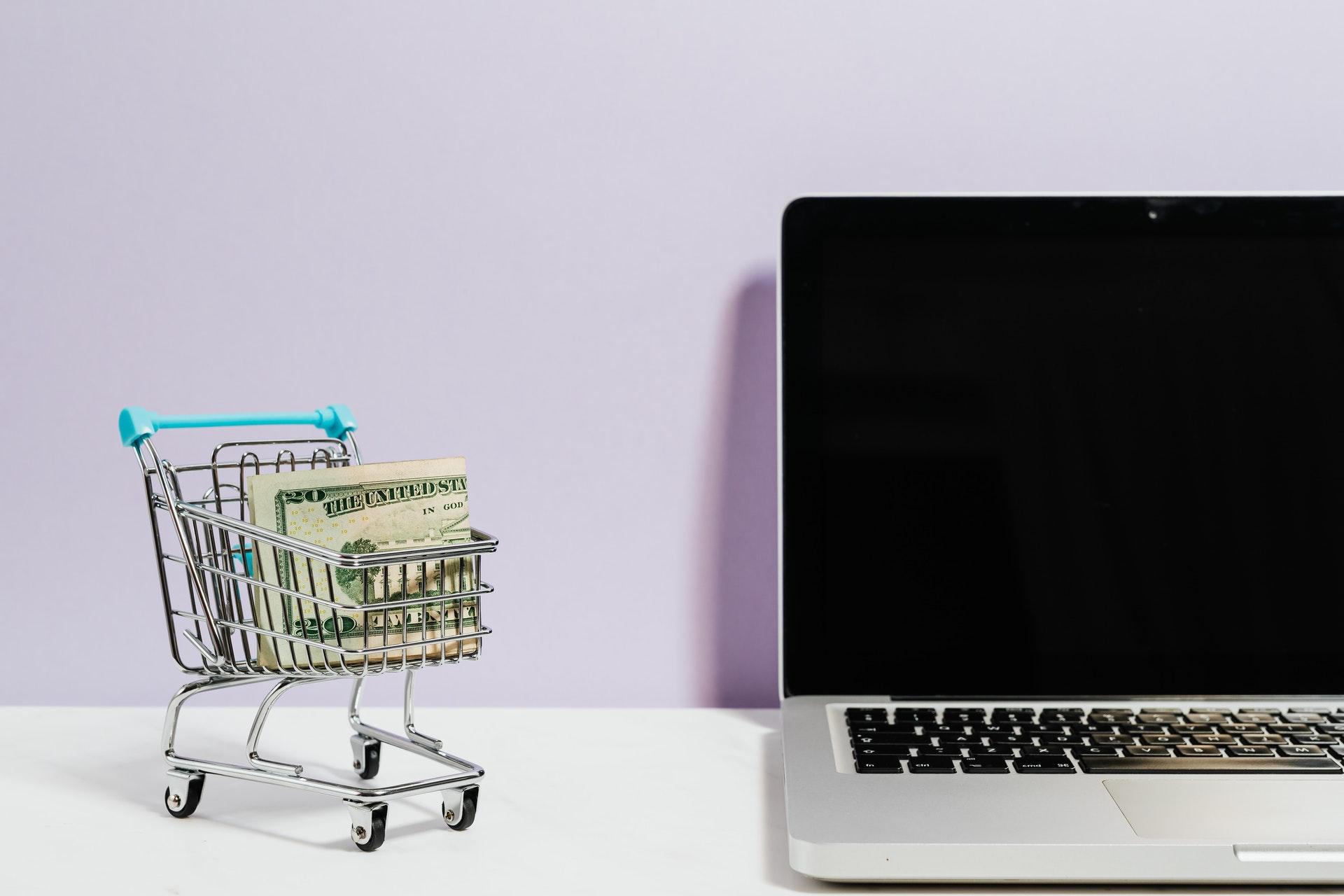 Jak oszczędzać pieniądze – zamawiaj on-line i korzystaj z kodów rabatowych - Zdjęcie główne
