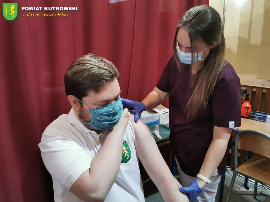 [ZDJĘCIA] Starosta już po drugiej dawce szczepionki. Zachęca mieszkańców, by zrobili to samo - Zdjęcie główne