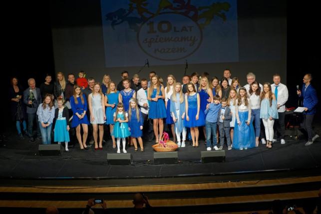 Antek Marzec na obchodach X-lecia Fundacji Młodzi Artyści w Zielonej Górze - Zdjęcie główne