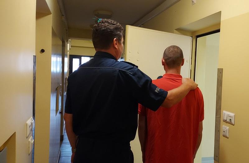 Kutnowscy policjanci zatrzymali dwóch mężczyzn. Grozi im nawet do 10 lat więzienia! - Zdjęcie główne