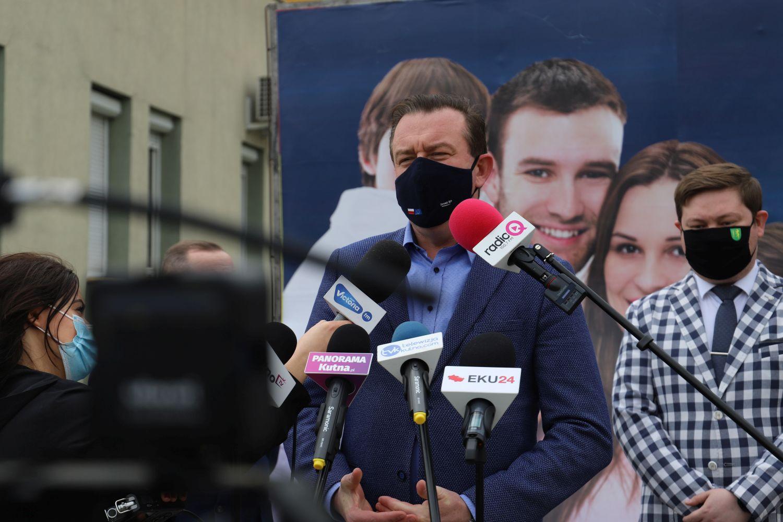 [ZDJĘCIA] Do powiatu kutnowskiego mogą trafić 2 miliardy złotych. Senator i starosta komentują - Zdjęcie główne
