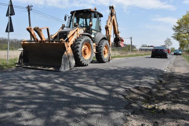 Drogi w powiecie będą wyremontowane. Miliony złotych dla naszych samorządów - Zdjęcie główne
